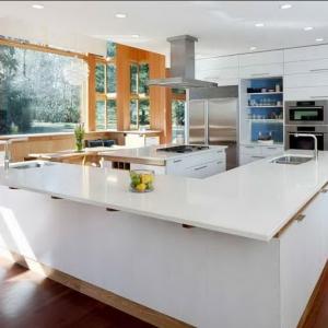Дом после ремонта - много света и экологичные материалы